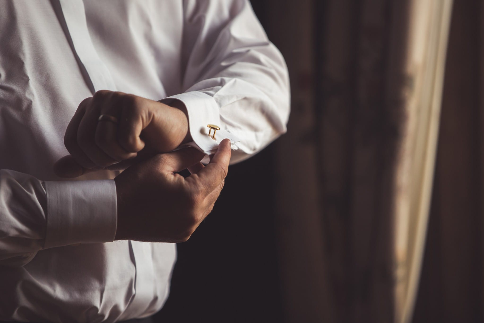 groom prep cufflinks wedding